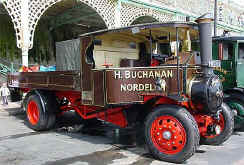 1924_Foden_C_dropside_steam_wagon.jpg (35573 bytes)