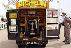 1930_Michelin_Technical_Service_Van.jpg (27348 bytes)