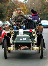 1904_Cadillac_Rear_Entrance_Tonneau.jpg (37283 bytes)