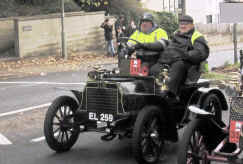 293'1904_Siddeley_Two-seater.jpg (126381 bytes)