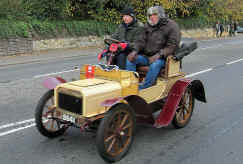 299'1904_Humberette_Two-seater.jpg (157187 bytes)