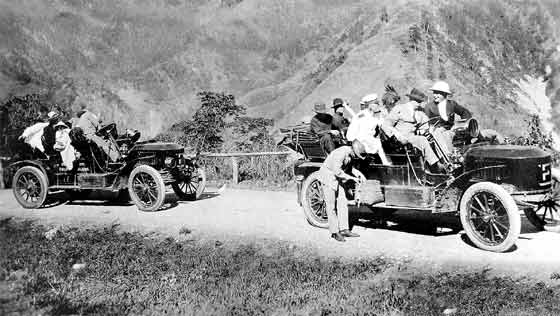 1908 Stanley Steam Wagons on Kennon Road